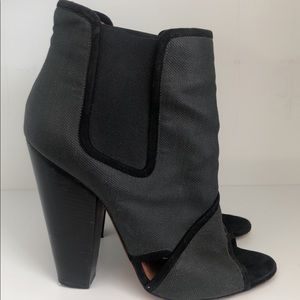 GIVENCHY ANTHRACITE OPEN TOE BOOTIE SIZE 39.5 EUR